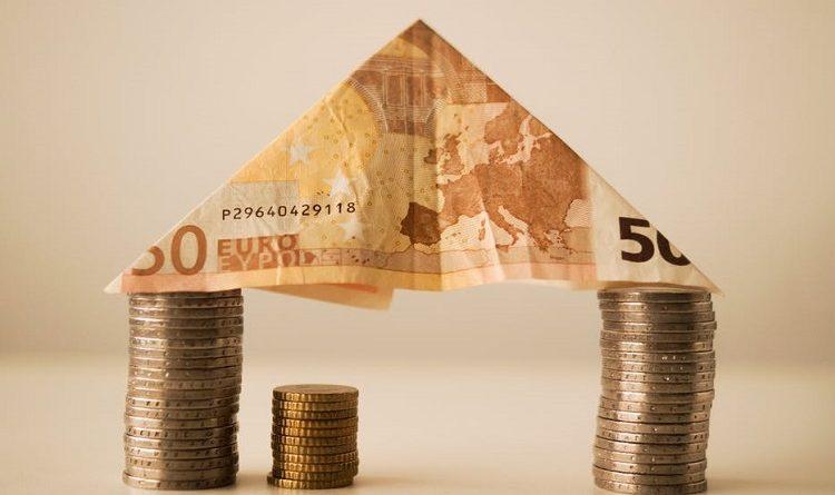 investing €100